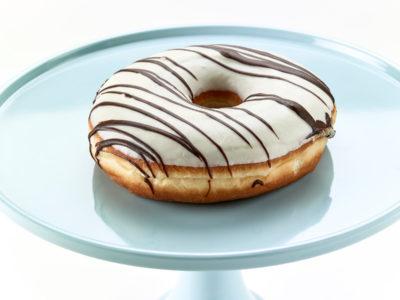 01266 Ντόνατς με επικάλυψη λευκή σοκολάτα